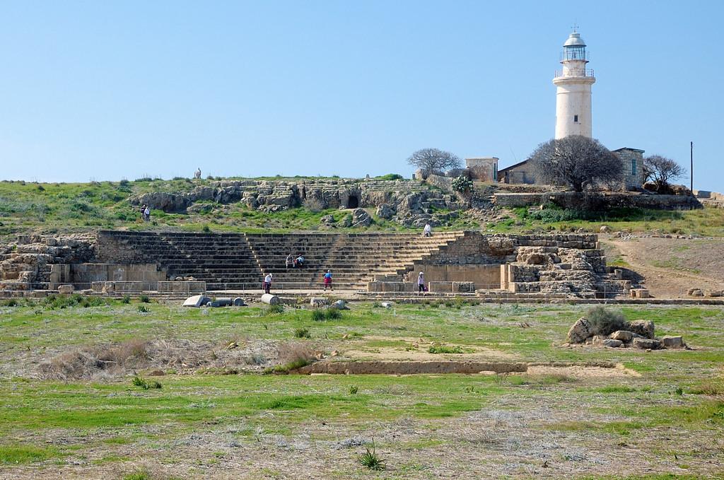 Маяк и византийский амфитеатр