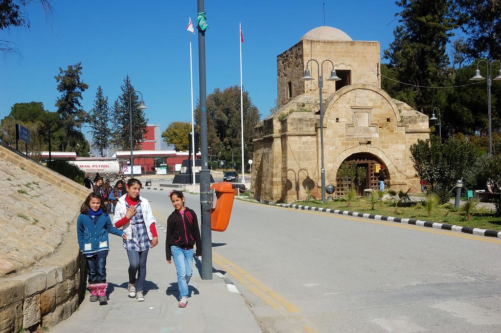 У Киренийских ворот