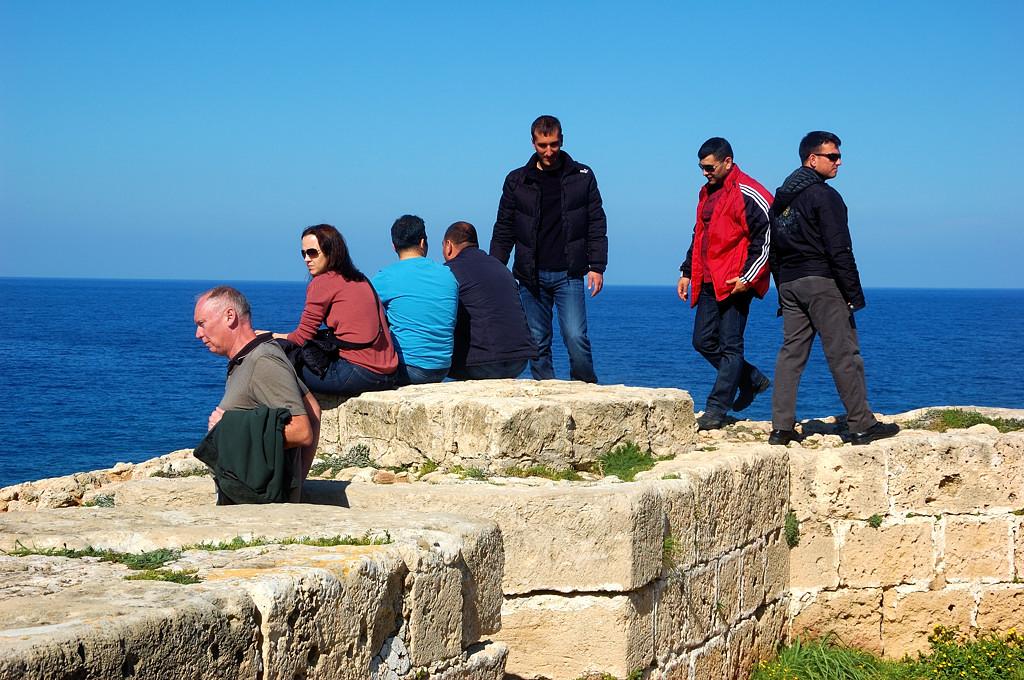 Туристы в крепости
