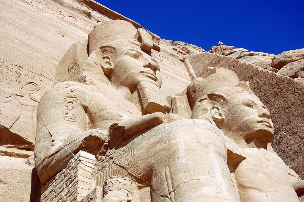 Фигуры фараона Рамзеса II
