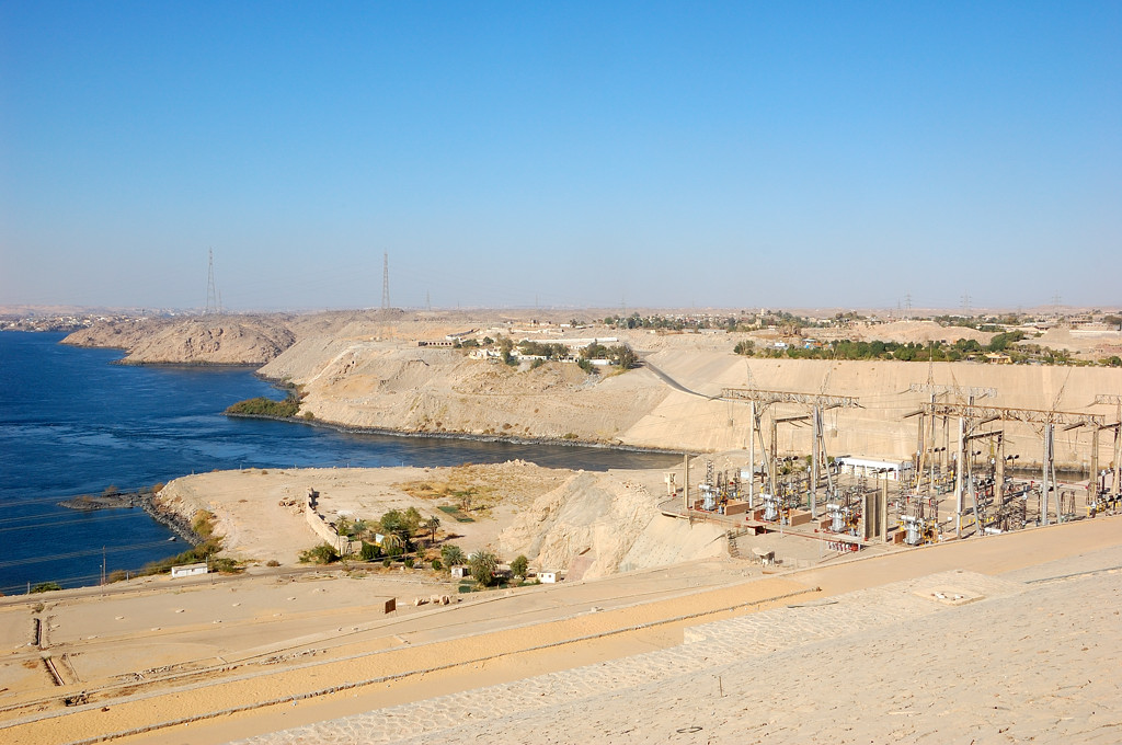 Вид на Нил с Асуанской плотины