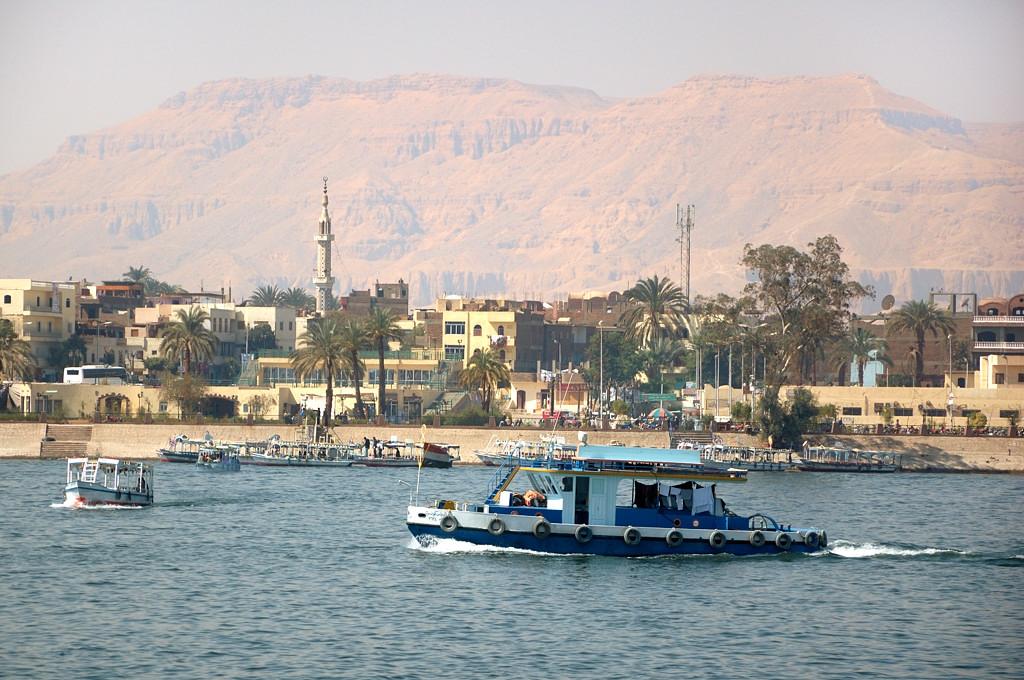 Вид с Нила на Луксор
