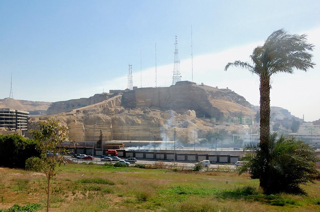 На этой горе стоят антенны египетских сил ПВО