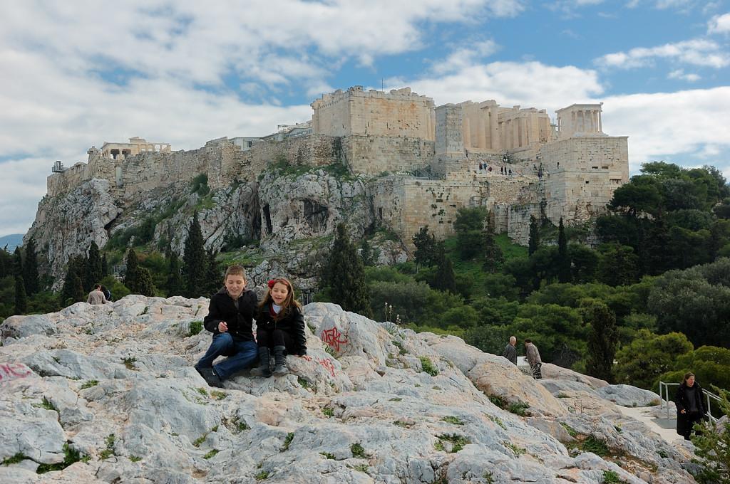 Вид с Ареопага на Акрополь