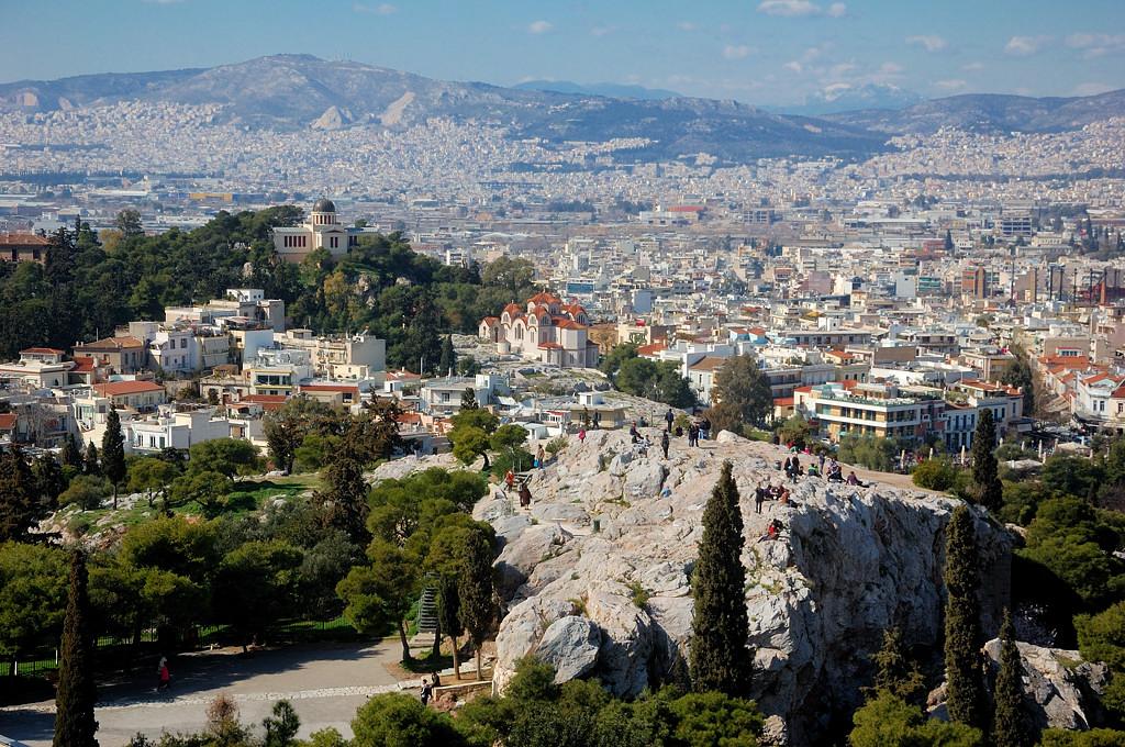 Вид с Акрополя на Ареопаг и Афины