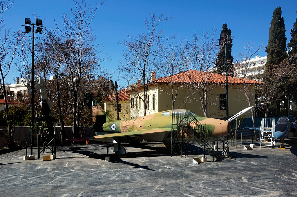 Истребитель-бомбардировщик Republic F-84F Thunderstreak