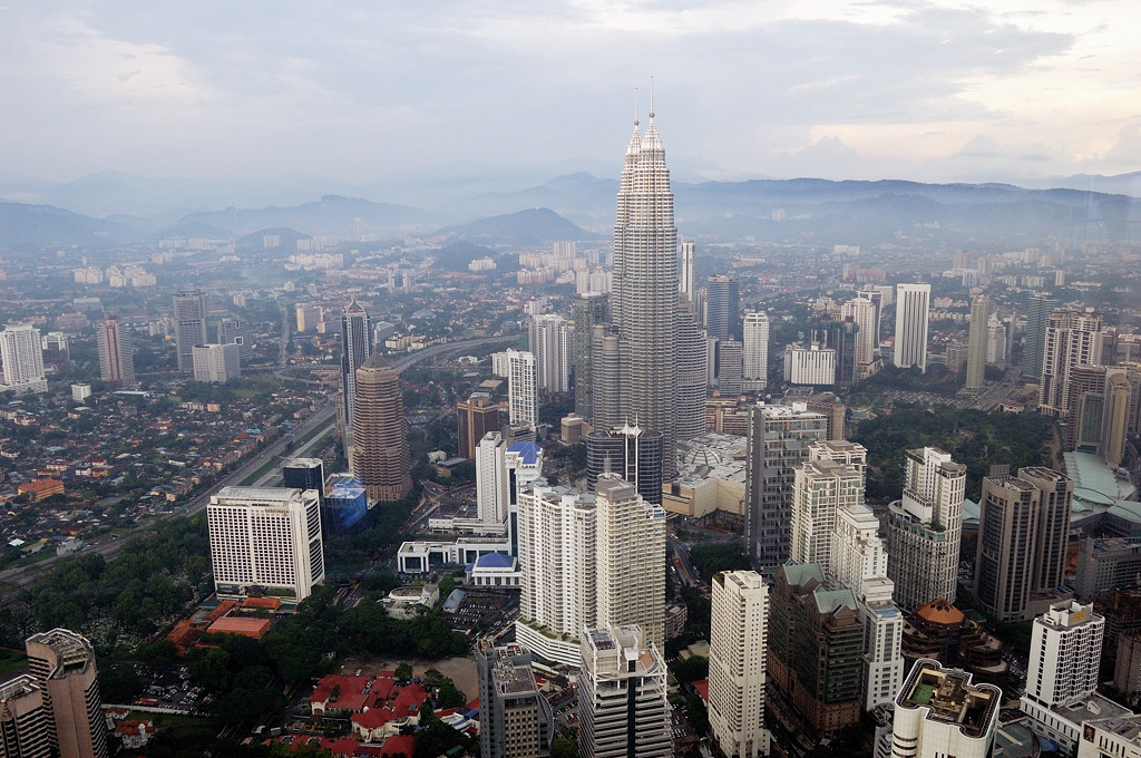 Вид с телебашни Menara на Куала-Лумпур
