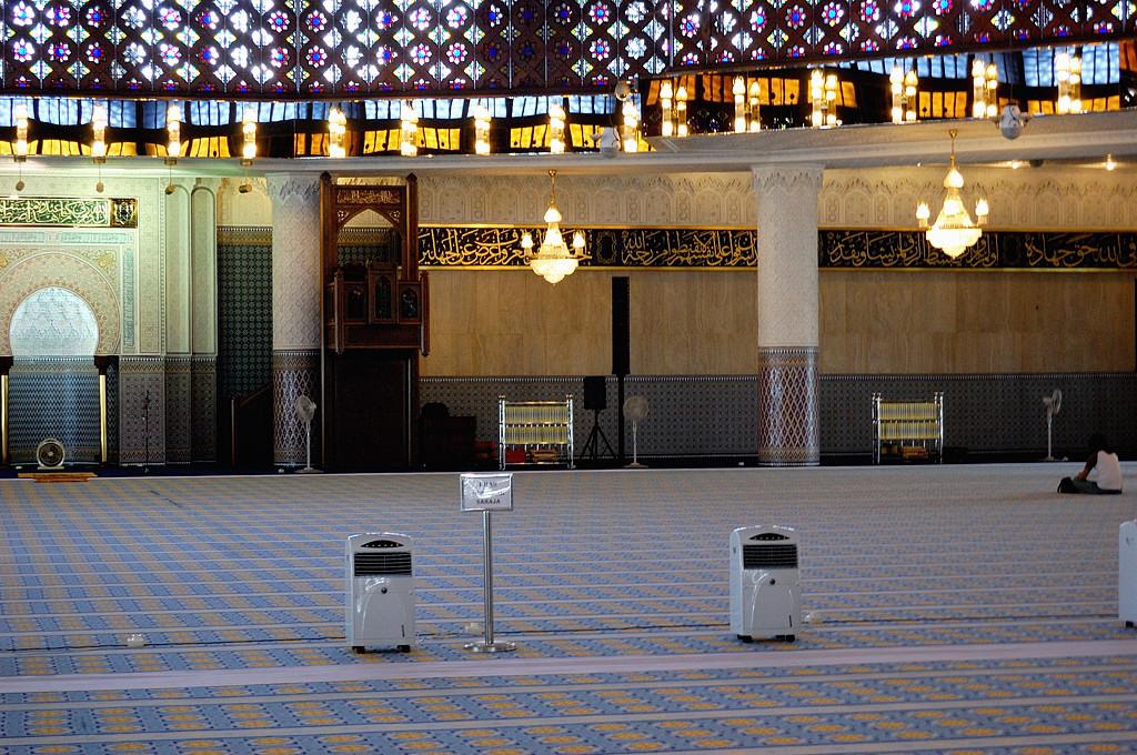 Национальная Мечеть. Главный молельный зал