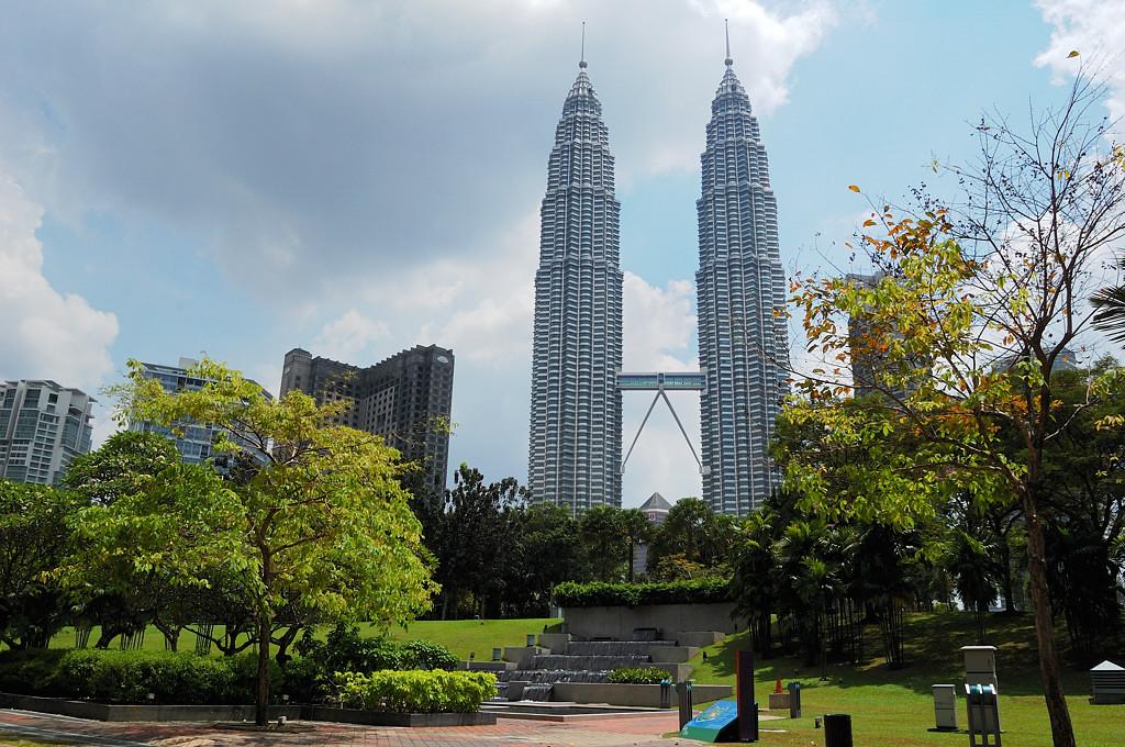 Башни-близнецы Петронас (Petronas Towers)