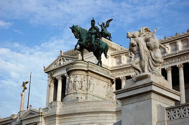 Памятник Виктору Иммануилу II