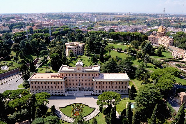 Папский дворец в Ватикане