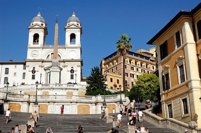 Церковь Троицы ''На Горах'' и Испанская лестница