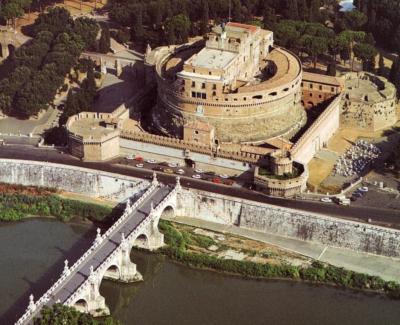 Замок Сант-Анджело, вид сверху