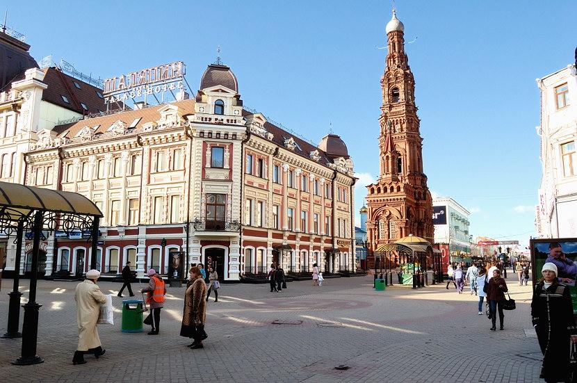 Колокольня Богоявленского собора на улице Баумана
