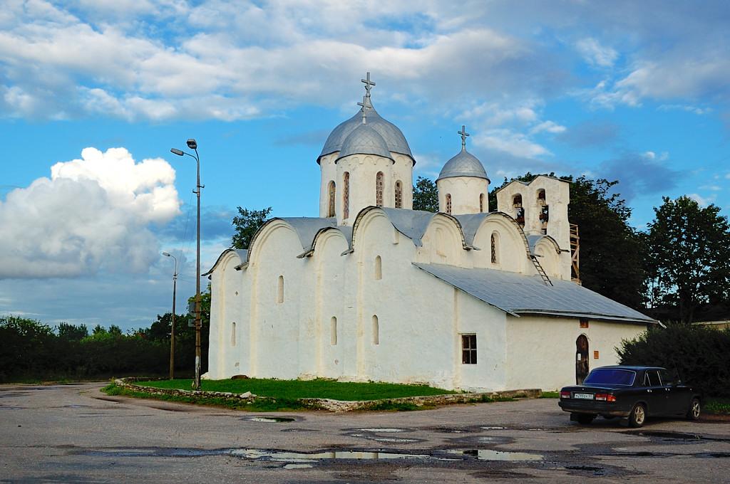 Собор Иоанна Предтечи на Комсомольской площади