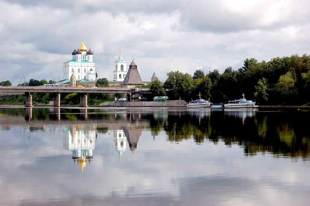 Ольгинский мост и Кремль