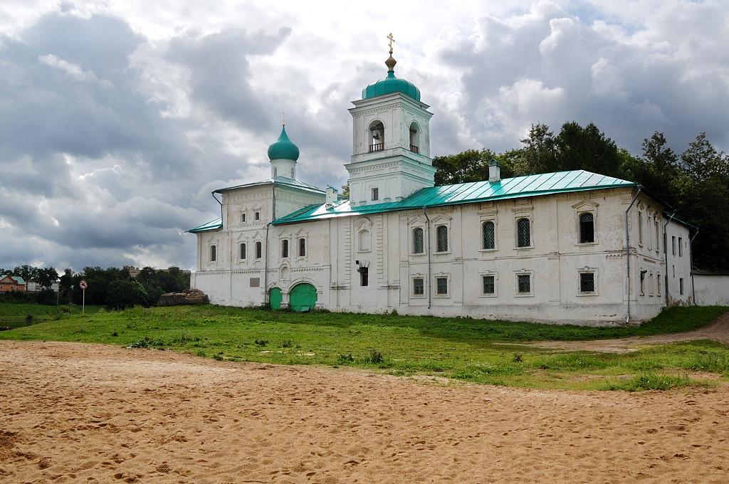 Мирожский монастырь. Стефановская церковь и Братский корпус