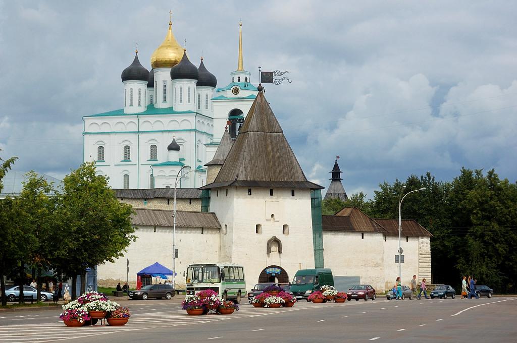 Рыбницкая башня и Троицкий собор