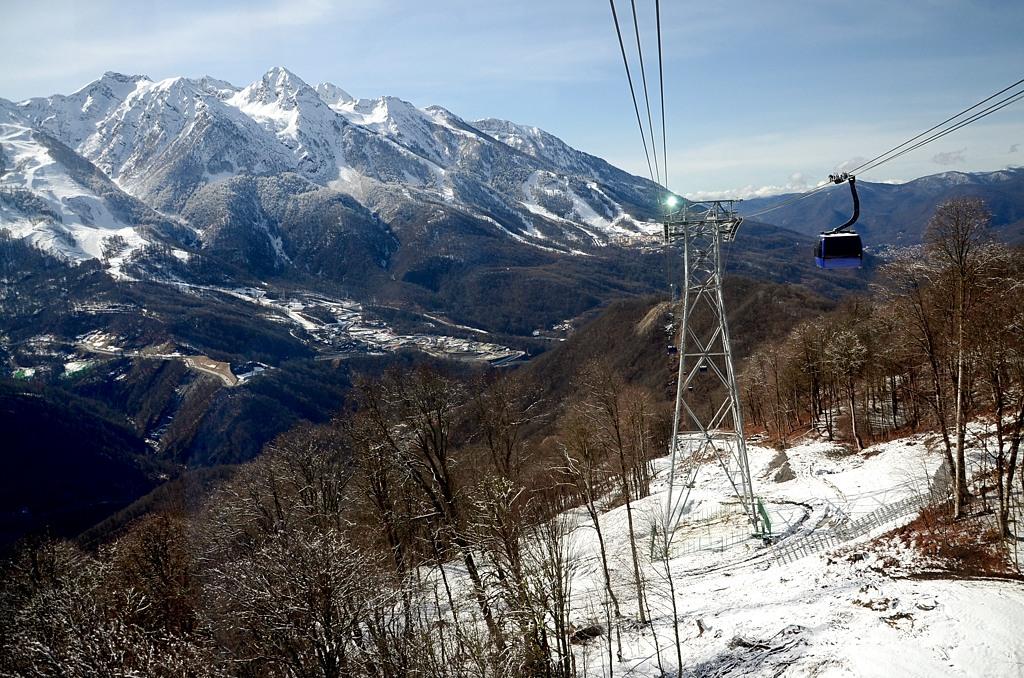 На высоте больше 1000 метров начался снег
