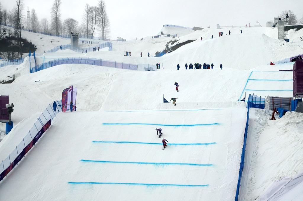Мы еле успели на финальный заезд по сноуборд-кроссу. На втором месте идет Николай Олюнин!
