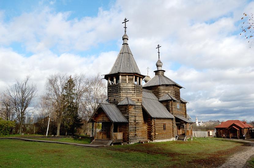 В музее деревянного зодчества и народного быта. Церковь