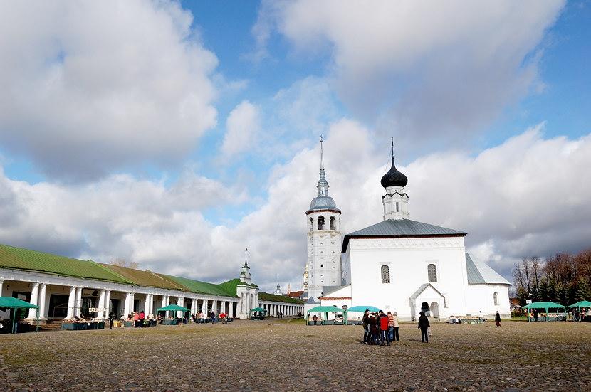 Воскресенская церковь и Гостиный Двор