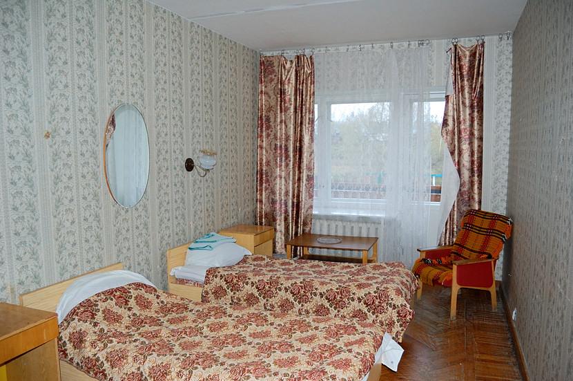 Спальня в мотеле на втором этаже