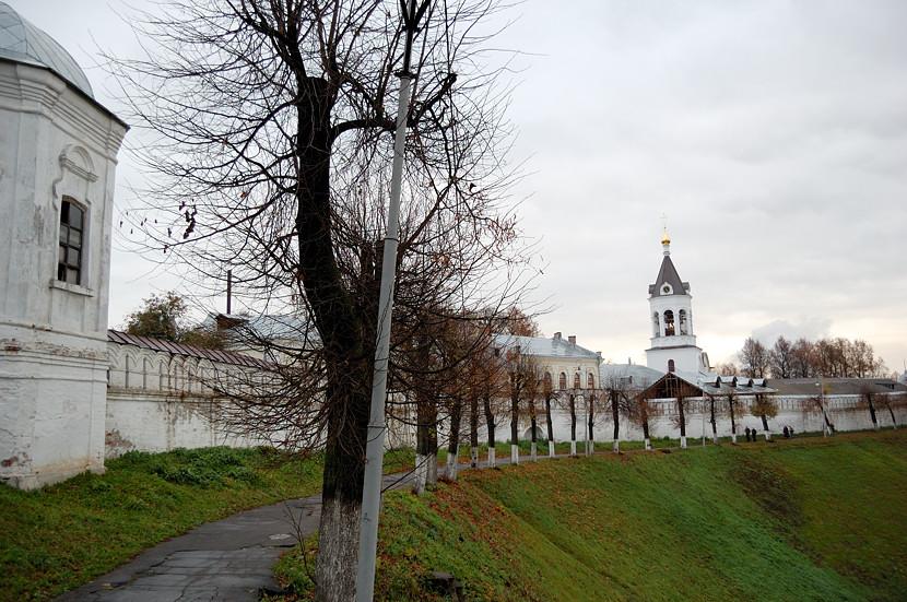 Дорожка вокруг Кремля