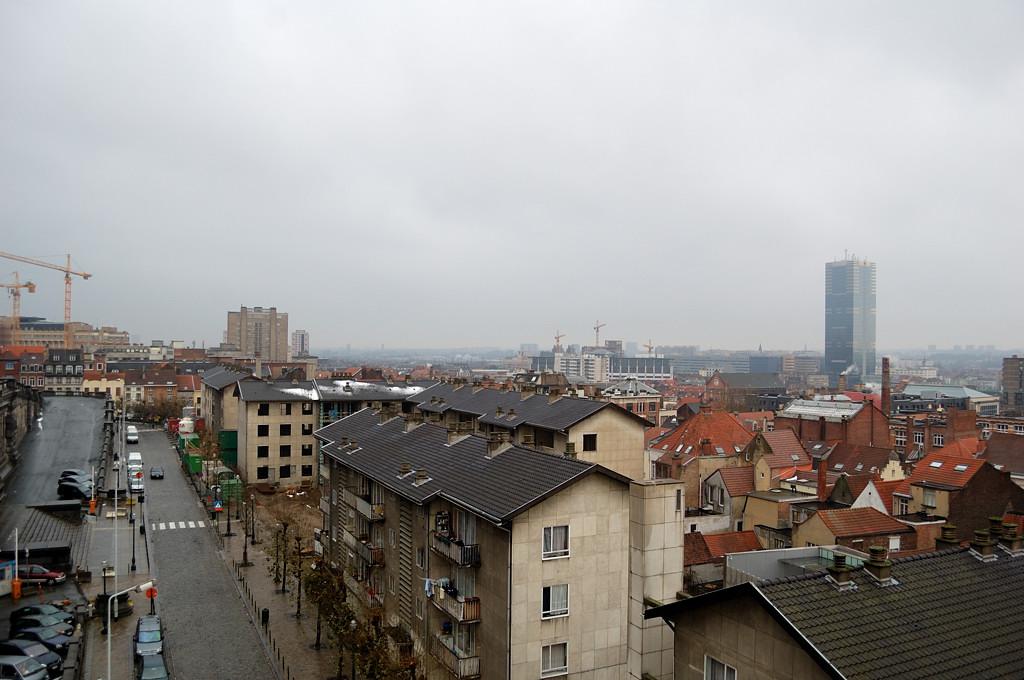Вид на Брюссель от лифта у дворца правосудия