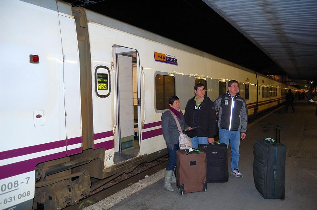 Посадка на поезд Francisco Goya на Аустерлицком вокзале в Париже