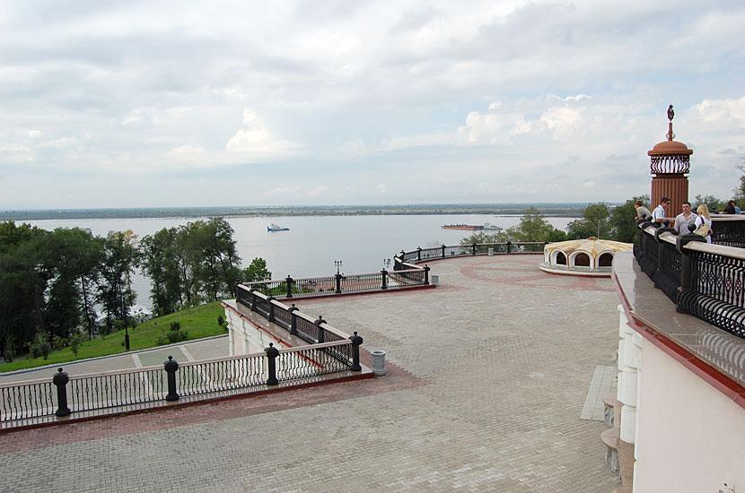 Комсомольская площадь, смотровая площадка и лестница к набережной Амура