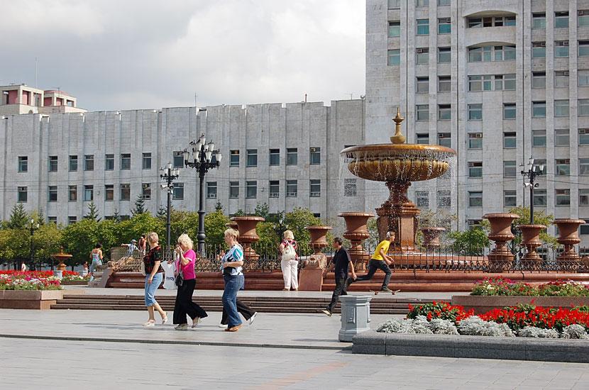 Площадь Ленина, здание правительства Хабаровского края