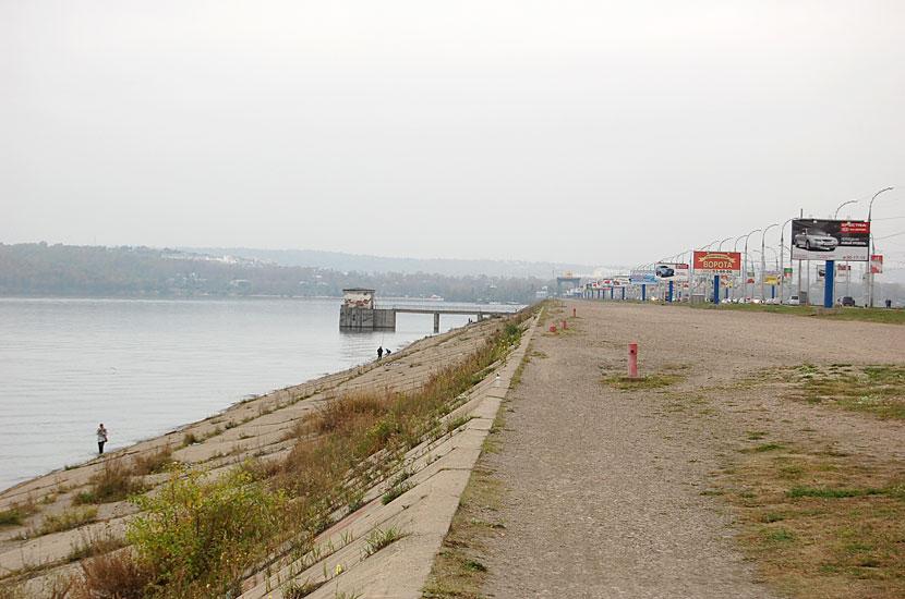 На плотине Иркутской ГЭС