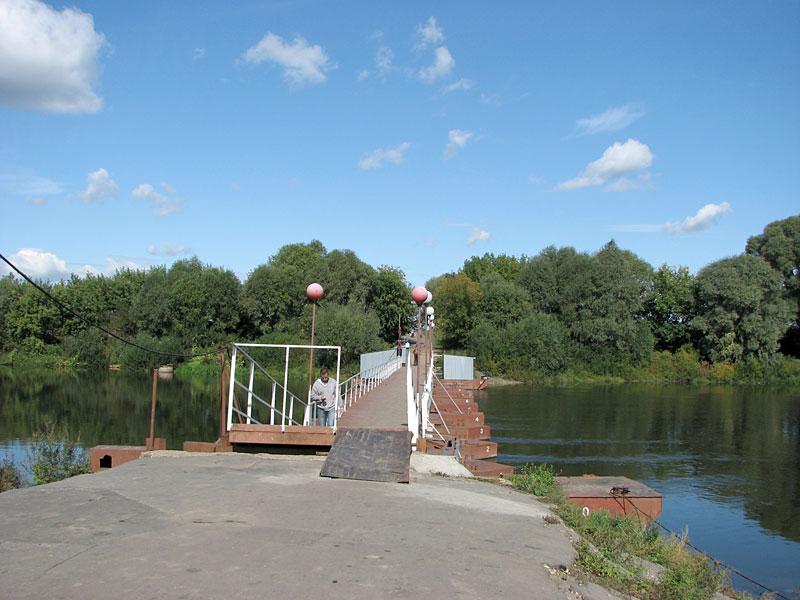 Понтонный мост через Москву-реку