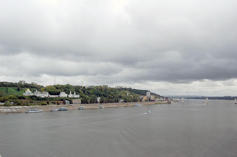 Вид с моста на правый берег Оки