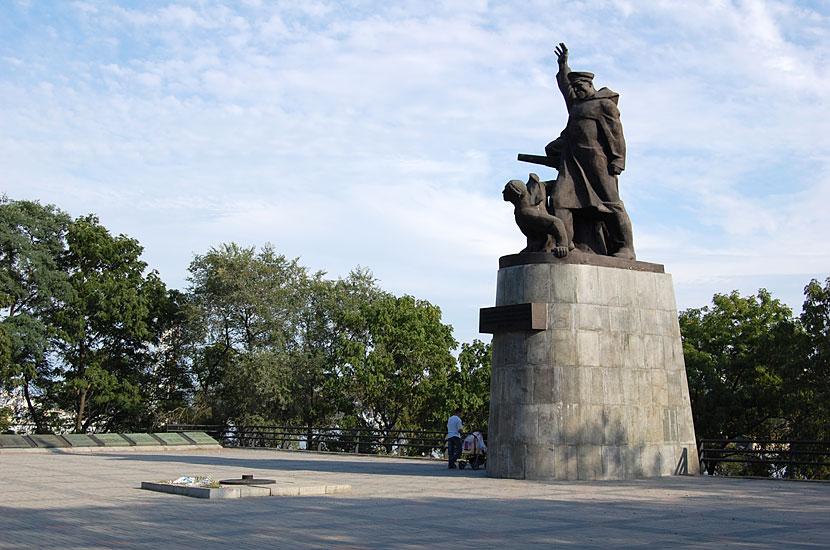 Памятник морякам торгового флота