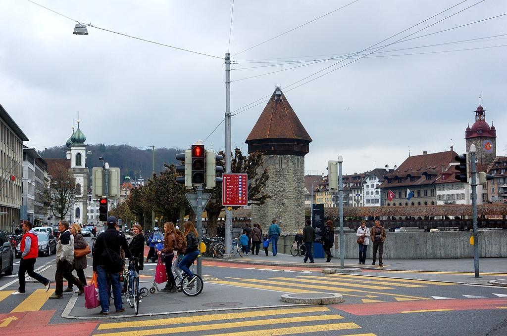Перекресток у вокзала